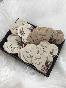 Darčeky pre svadobčanov - Magnetka pre hostí v tvare srdiečka - 9588987_