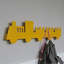 Detské doplnky - nástenný vešiak/polička 'na vlaku' žltý - 9589423_