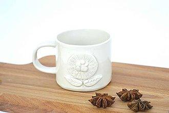 Nádoby - Porcelánová espresso šálka Kvet - 9588918_