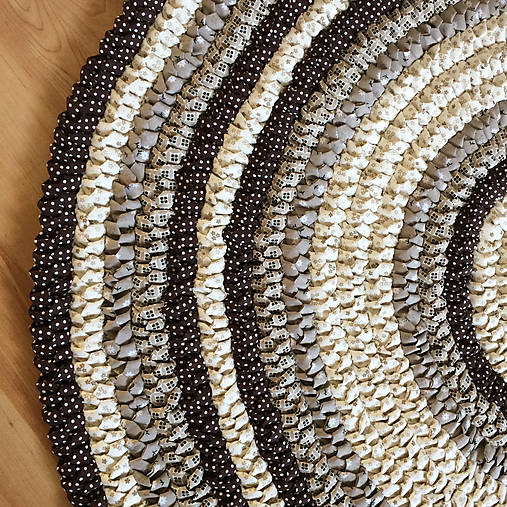 Ručne šitý okrúhly koberec _02
