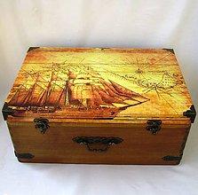 Nábytok - Drevený kufor-Marco Polo - 9597180_