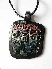 Náhrdelníky - ornamentový prívesok - 9595250_
