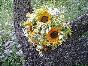 Kytice pre nevestu - svadobná kytica z lúčnych živých kvietkov - 9596610_