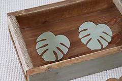 Nábytok - Podnos z dreva s lístkami - 9595807_