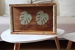 Nábytok - Podnos z dreva s lístkami - 9595819_