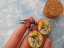 Náušnice - Ružičky v žltej - 9596556_