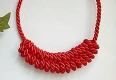 Uzlový náhrdelník - Šťavnatá jahoda