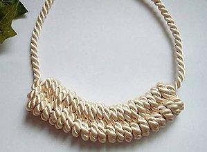 Náhrdelníky - Uzlový náhrdelník - Pudrová neha - 9595402_