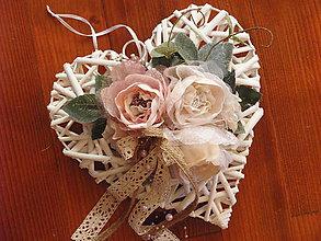 Dekorácie - Vintage srdce s jutou, krajkou a perličkami 25cm - 9595115_