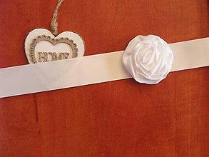 Opasky - Saténový opasok s bielym kvetom - viac farieb - 9595216_