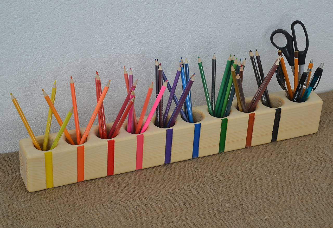 Stojan na farbičky, pastelkovník, organizér 10F