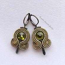Náušnice - Ručne šité šujtášové náušnice / Soutache earrings - Swarovski®️crystals (Olivia - olivová - mini) - 9598398_