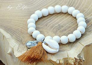"""Náramky - """"Bohochic"""" náramky z drevených korálok (maslová farba) (hnedý strapec,sovička) - 9598944_"""