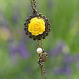 Náhrdelníky - So žltou ružičkou - 9599091_