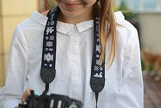 Nezaradené - Popruh na fotoaparát čičmanský modrý - 9600476_