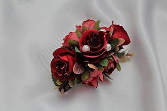 Ozdoby do vlasov - Kvetinový hrebienok bordové ruže - 9604753_