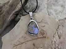 - Fialové svetielko (opál v materskej hornine) - 9604331_