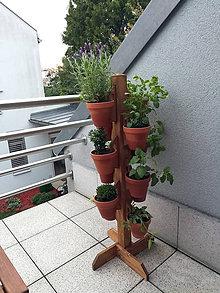 Nádoby - Drevený stojan na kvetináče - 9605345_