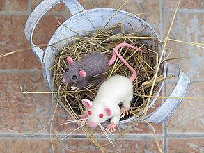 Magnetky - Plstená myš magnetka(šedá) - 9604876_