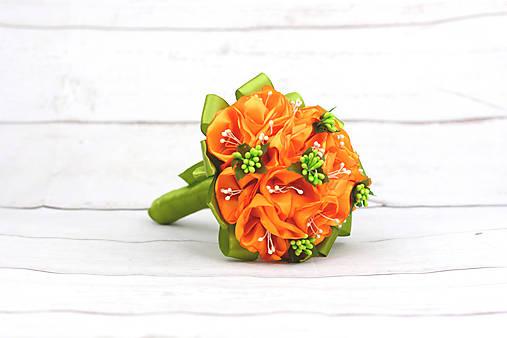 Saténová kytica oranžová