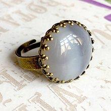 Prstene - Bronze Romantic Grey Agate Ring / Bronzový prsteň so šedým achátom - 9607165_