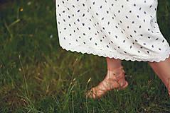 Šaty - Bavlnené šaty s ľudovým vzorom - 9606226_