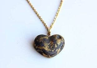Náhrdelníky - Betónové srdce black/gold - 9608284_