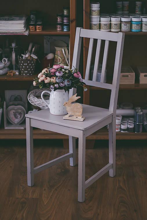 Stolička (Sivo-béžová)