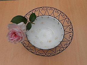 Nádoby - Růžičky v krajce... drátovaná miska - 9610208_