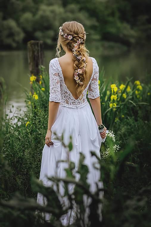 """Kvetinový pletenec """"zamotaná v snoch"""""""