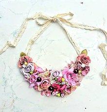 Náhrdelníky - Kvetinový náhrdelník - 9613562_