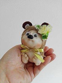 Dekorácie - Medveďia vílenka. - 9614386_