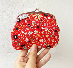 Peňaženky - Peňaženka XL Zmes malých kvietkov na červenej - 9612891_