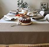 Úžitkový textil - Ľanový obrus s krajkou - 9614580_