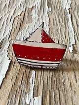 Odznaky/Brošne - maľovaná loďka so ♥ - brošňa (farebná) - 9613340_