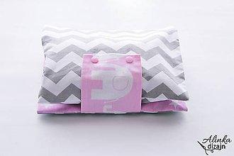 Detské doplnky - Obal na plienky sivo-ružový chevron - 9616431_