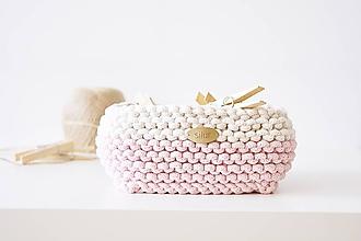 Košíky - Pletený košík štvorcový - ružový/prírodný - 9616847_