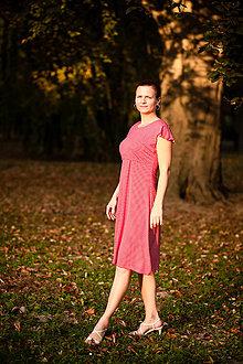 Tehotenské oblečenie - Červené bodkované šaty na dojčenie - 9616434_