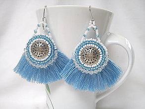 Náušnice - Náušnice strapcové, modro-biele - 9619709_