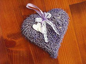 Prstene - Levanduľové srdce pod obrúčky aj na zavesenie - 9619808_