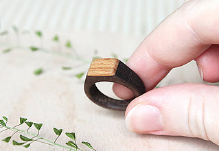 Prstene - Drevený prsteň Orech&Buk /dámsky/ - 9621635_