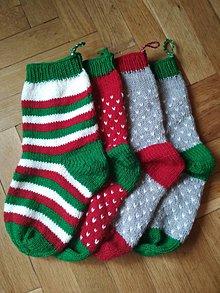 Dekorácie - Pletené vianočné ponožky - 9620519_