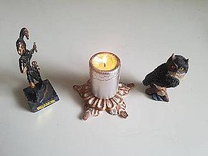 Svietidlá a sviečky - kovový svietnik (patina) - 9625424_