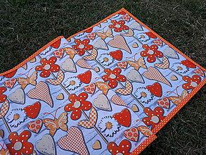 Úžitkový textil - Obrus láska na dreve (Oranžová) - 9626565_