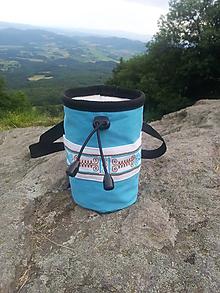 Iné tašky - Tyrkysové vrecko na magnézium s výšivkou - 9626168_