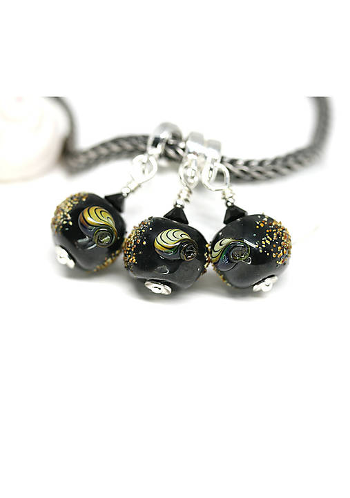 Prívesok v štýle pandora - mušle čierne   Maya-Honey - SAShE.sk ... b48c327e7d9