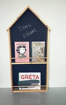 Nábytok - detská polička na knihy domček & tabuľa v 1 dvojposchodová - 9623764_