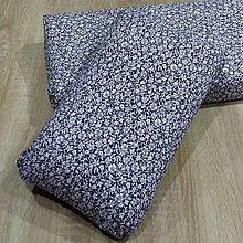 Úžitkový textil - Biele kvietky na modrej - obliečka na vankúš z pamäťovej peny - 9626095_