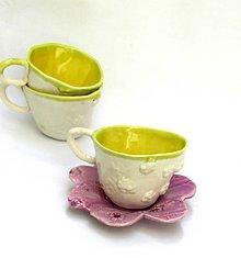 Nádoby - žltá šálka s fialovým tanierikom - 9624451_
