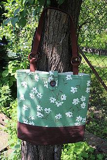 Nákupné tašky - Taška květy na zelené 2. - 9631595_